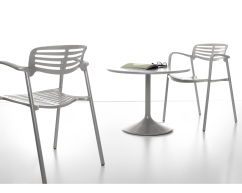 picnic_chair_1_3_4b_hr