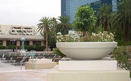 2-low-bowl-resin-planter